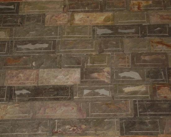Natural Stone Charcoal Grey Thin Veneer and Ledgstone -