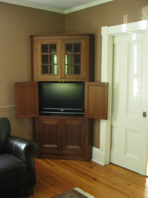 Corner cabinet - Traditional - Entertainment Centers And Tv Stands - new york - by MCW Carpentry LLC