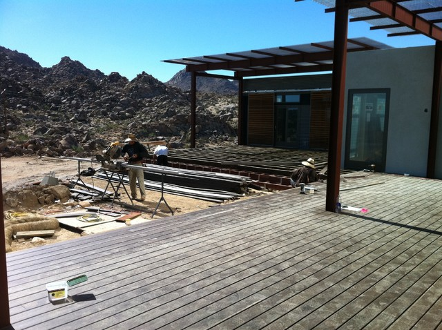 BLU Homes Project in Joshua Tree by CARD Construction INC modern