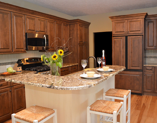 Townhouse Kitchen Classic Traditional Kitchen Cleveland By Studio 76 Kitchens And Baths