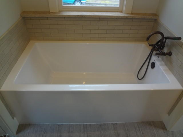 Irondale Master Suite traditional-bathtubs