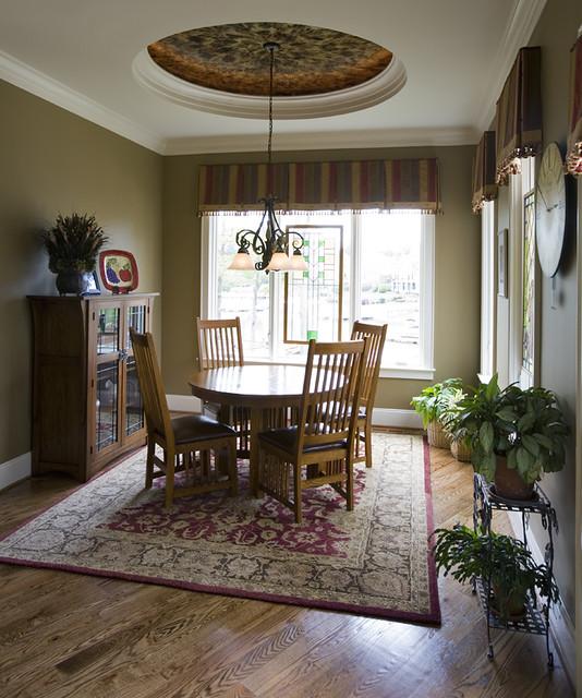 Breakfsat traditional-dining-room