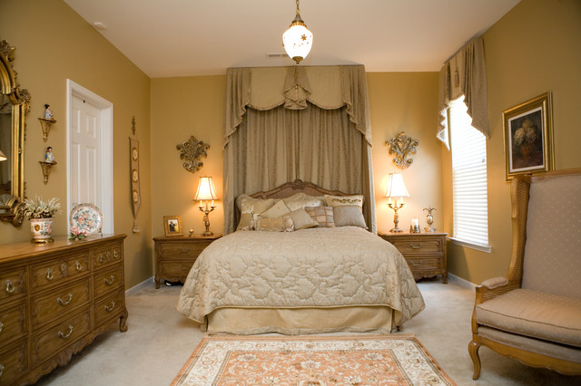 Lavish french champagne gold master bedroom for French master bedroom ideas