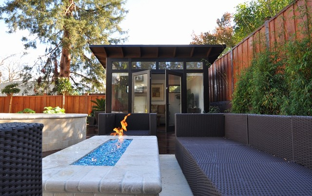 10x12 poolside retreat living space modern los for 10x12 room ideas