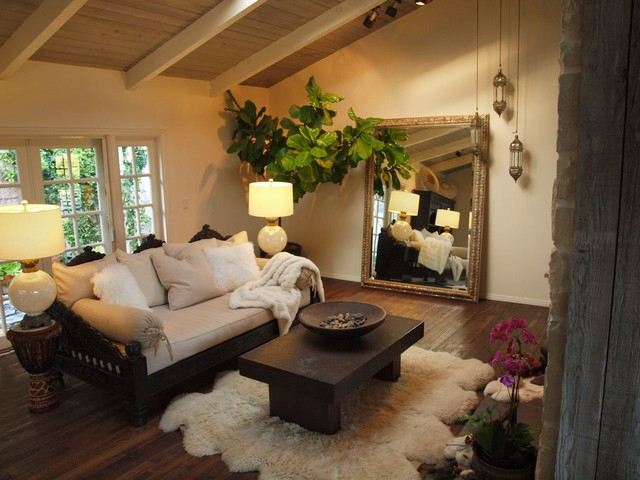 indian jhula daybed eclectic daybeds los angeles by tara design. Black Bedroom Furniture Sets. Home Design Ideas