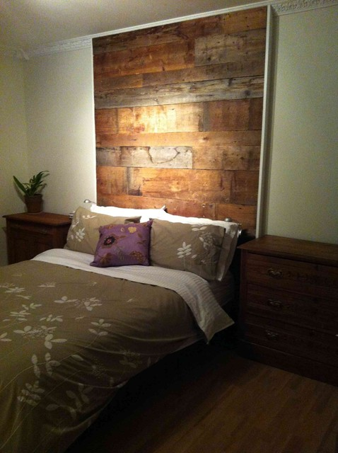 Reclaimed wood wall materiautheques for Accent meuble la tuque
