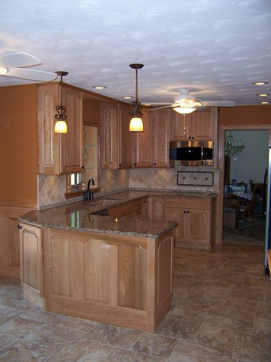 Bertch Legacy / Elite Door Style / Oak Wood / Natural Stain - Bertch Legacy / Elite Door Style / Oak Wood / Natural Stain