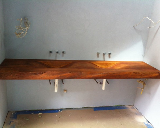 "Concrete Bathrooms - Woodform Concrete sink by JM Lifestyles with 4"" live edge"