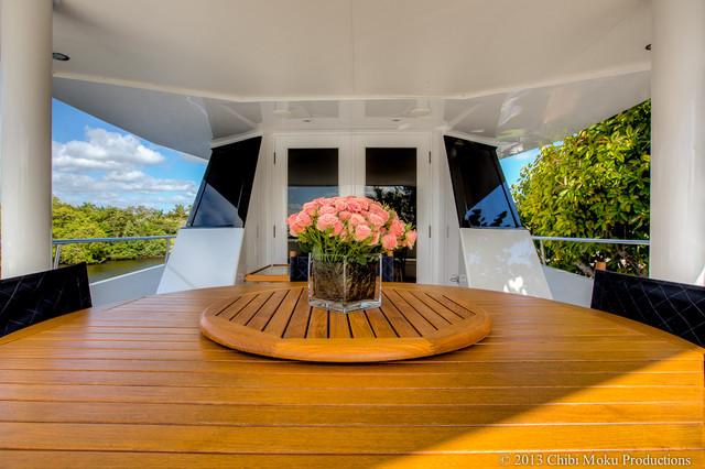 Sea Falcon Luxury Yacht - Ft. Lauderdale, Florida modern