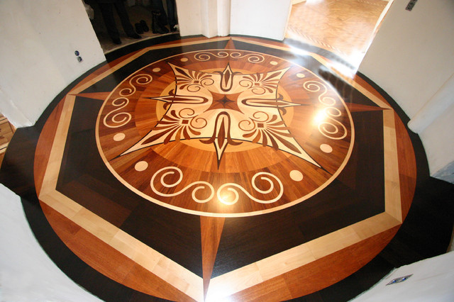 Wood floor medallion in rotunda for Wood floor medallion designs