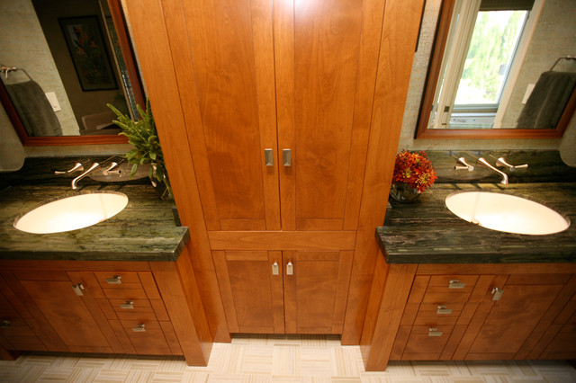 Tropical bathroom tropical