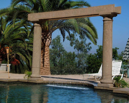 """RainScapes - Rain Curtain between 2 columns with 1"""" straight spacing"""