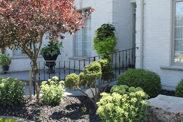 Sunningdale Residence traditional-fencing