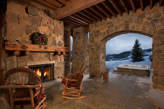 Yellowstone Rustic Porch traditional