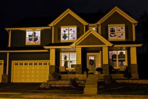 casa decorada con imagenes de halloween