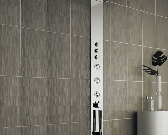 Hudson Reed - Concealed Thermostatic Shower Tower System Panel Column - Create a sleek, contemporary look to your bathroom with the Hudson Reed Guise thermostatic shower panel. This high quality thermostatic shower panel incorporates three round body jets, fixed shower head and a shower handset. These superb features deliver an amazing shower to leave you feeling awake and refreshed. Hudson Reed Guise Thermostatic Shower Panel Details   Recessed design Three body jets Fixed shower head Shower handset