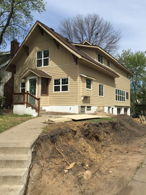 Exterior Paint Color W Brown Roof
