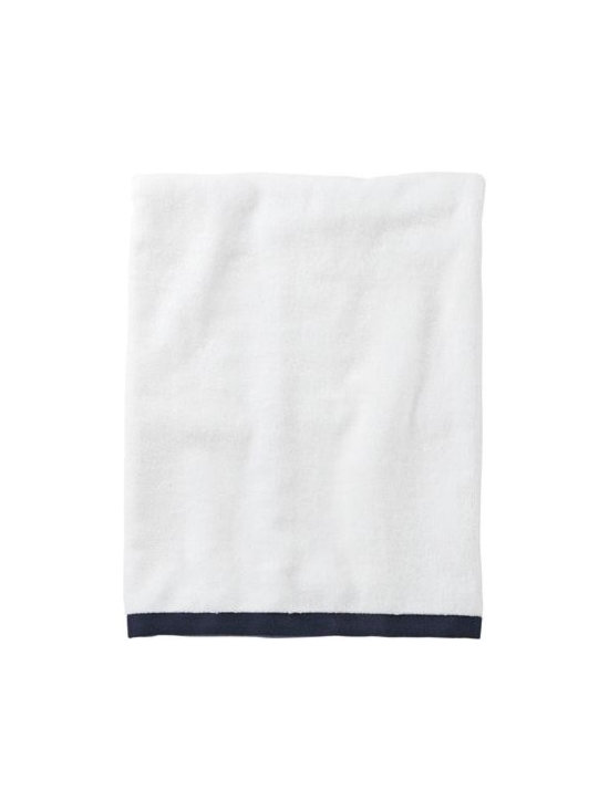 Serena & Lily - Navy Border Frame Bath Towel - Woven in Portugal from supremely soft cotton, these towels are lofty, absorbent, quick to dry, and won &apos t fade, fray or wear out. We love how the substantial stripe pops against the pure white cotton terry. (The washcloth was kept simple a perfect square of all white.)