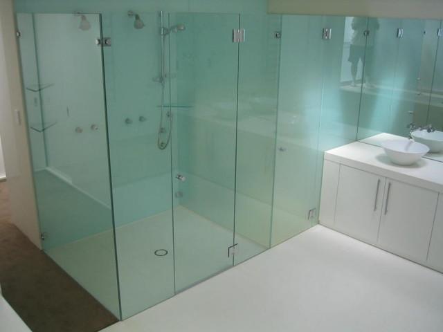 Frameless Shower Enclosures modern-shower-stalls-and-kits