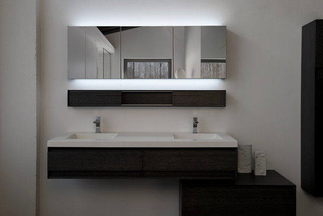 M collection with optional led modern bathroom for Bathroom design montreal