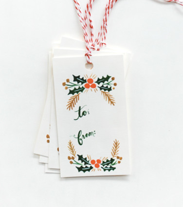 Garland Gift Tags traditional holiday decorations