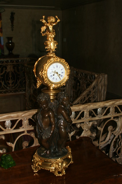 vegas penthouse eclectic-clocks