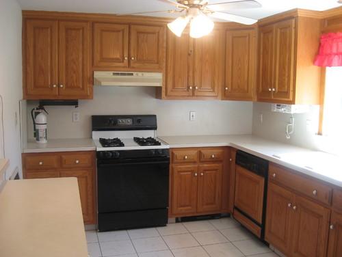 Front door opens right into the kitchen - Front door opens to kitchen ...
