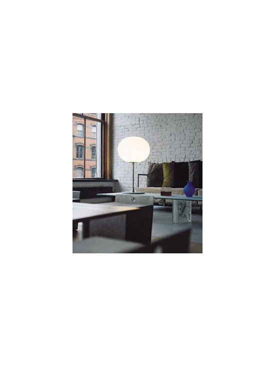 Glo-Ball T1 Table Lamp By Flos Lighting - The Flos Glo Ball T1 series is an idea of a luminous sphere has given life to this line of lamps designed by Jasper Morrison in 1998.