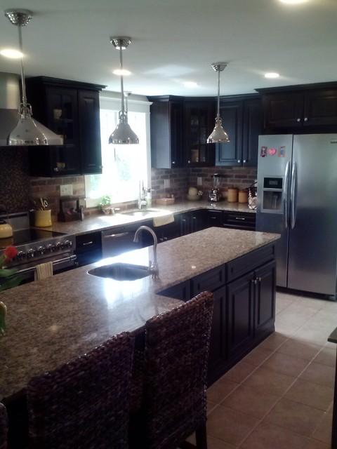 Mozzone Kitchens traditional-kitchen