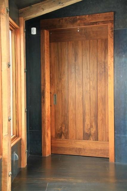 Full Width Top/Bottom Rail Door contemporary-interior-doors