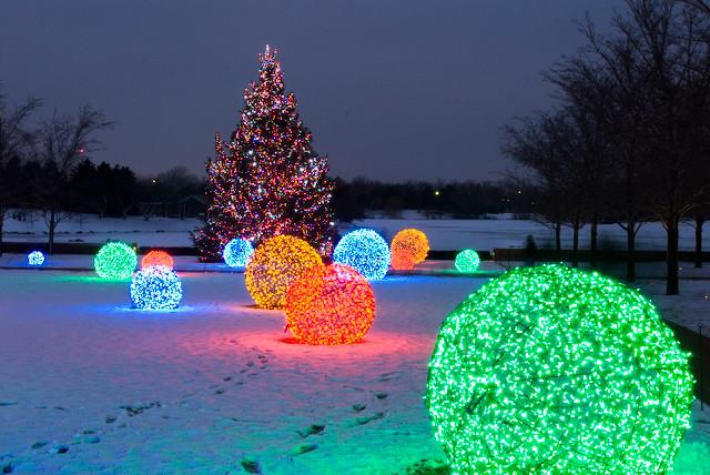 Led light balls chicago botanical gardens transitional for Outdoor christmas balls