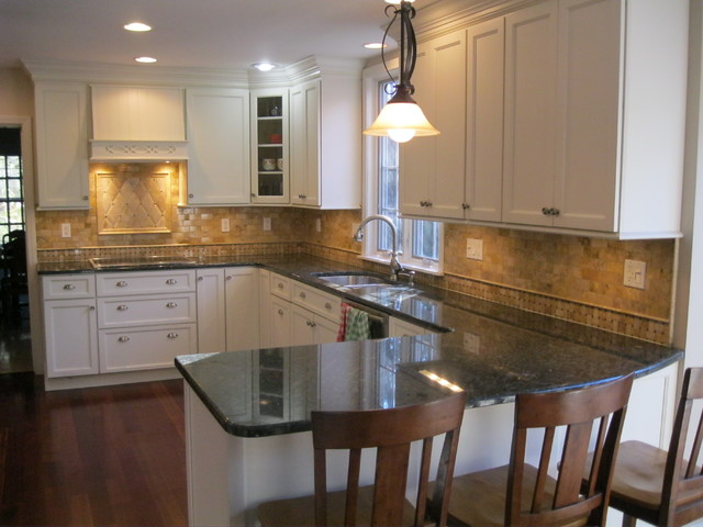 Backsplash- hand honed travertine traditional