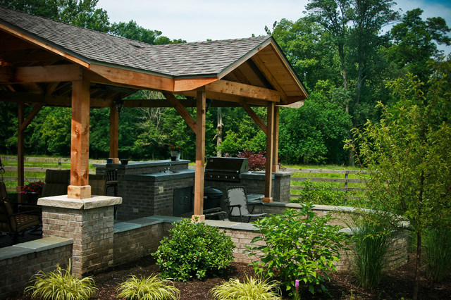 Rural style outdoor dining traditional landscape for Rural landscape design