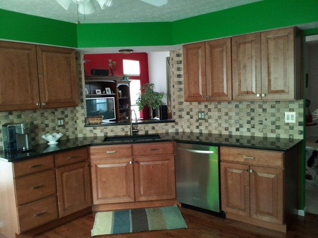 Maple Kitchen Cabinets | CliqStudios Cabinetry traditional-kitchen