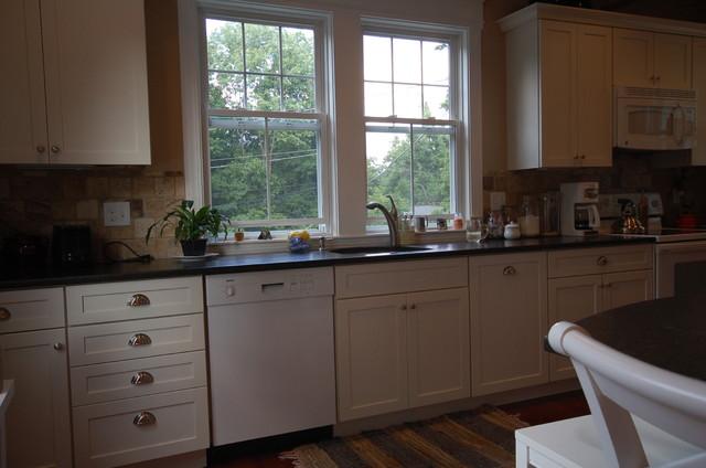 Tye Valentino Designs traditional-kitchen