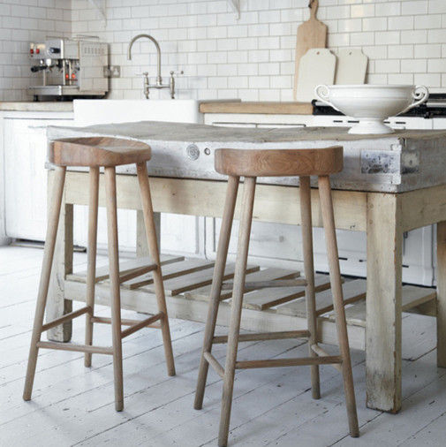 Oak Stool rustic-bar-stools-and-counter-stools