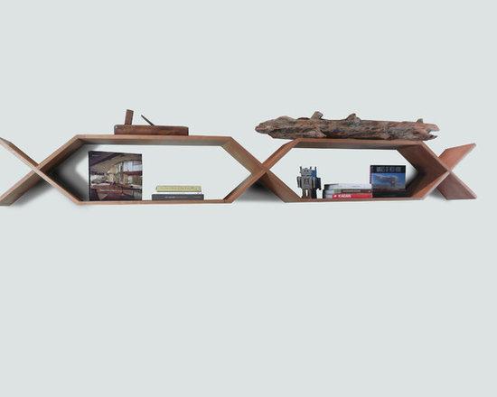 Halshugget  Shelves -