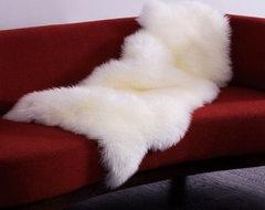Sale Henan Prosper Sheepskin Ivory 1.5 Rug 15120 | Rugsville.com