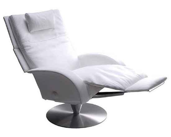 Victoria Recliner - Victoria Chair Features: