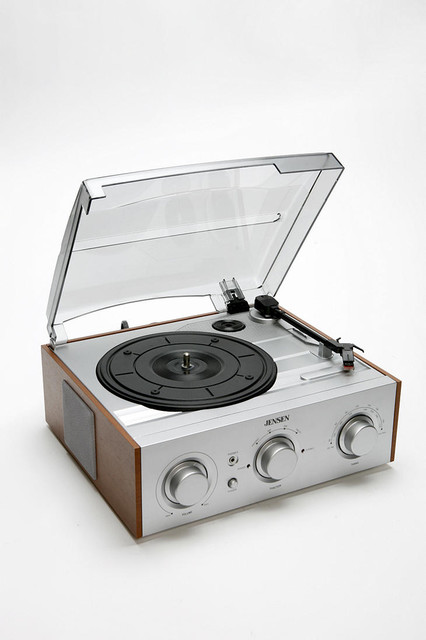 Jensen Wood Turntable modern home electronics