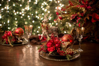 a lovely tablespace featuring lovely Christmas tree ornamnets