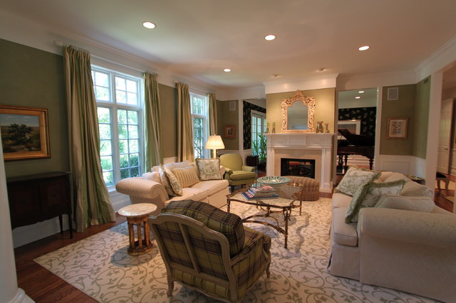 Lake Forest traditional-living-room