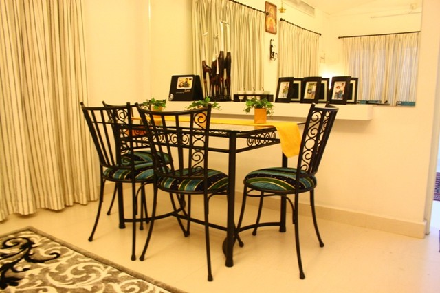 holiday home eclectic-dining-room