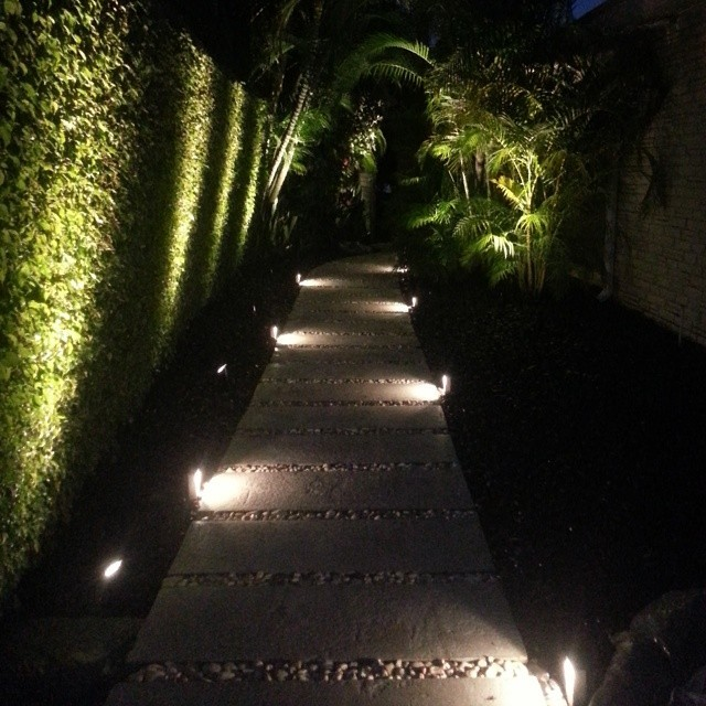 LED MODERN LOW PROFILE ACCENT PATH LIGHTING Modern Miami By Miami Lan