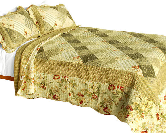 Blancho Bedding - [Garden City] 3PC Vermicelli-Quilted Striped Patchwork Quilt Set (Full/Queen) - Set includes a quilt and two quilted shams (one in twin set). Shell and fill are 100% cotton. For convenience, all bedding components are machine washable on cold in the gentle cycle and can be dried on low heat and will last you years. Intricate vermicelli quilting provides a rich surface texture. This vermicelli-quilted quilt set will refresh your bedroom decor instantly, create a cozy and inviting atmosphere and is sure to transform the look of your bedroom or guest room. Dimensions: Full/Queen quilt: 90 inches x 98 inches  Standard sham: 20 inches x 26 inches.