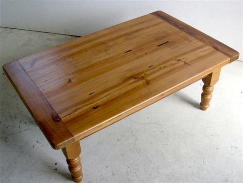 Pine coffee table for living room farmhouse coffee for Pine farmhouse coffee table