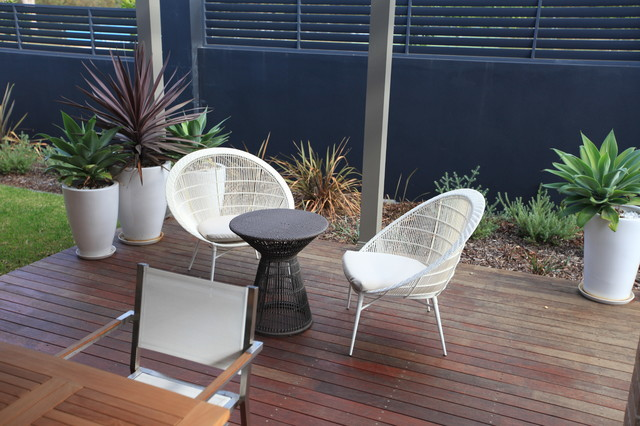 Outdoor Room with Dining and Sitting areas contemporary-patio