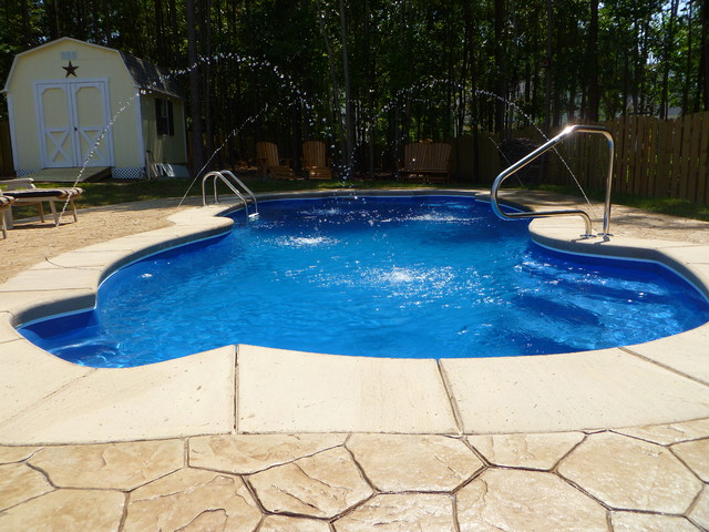 Custom Pools & Palms traditional-swimming-pools-and-spas