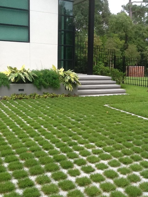 Green concrete driveway pictures to pin on pinterest for Green pavers
