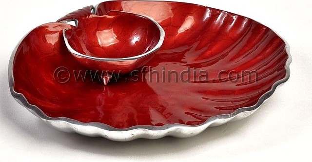 Enamelled Scalloped Shell Dip Platter(Enamellled Giftware) contemporary-dining-bowls